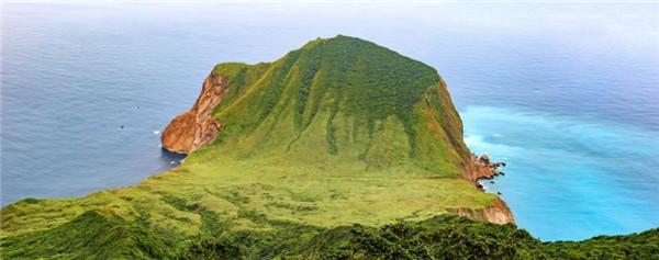 龜山島玩什麼?繞島體驗、401高地、龜山坑道、普陀岩