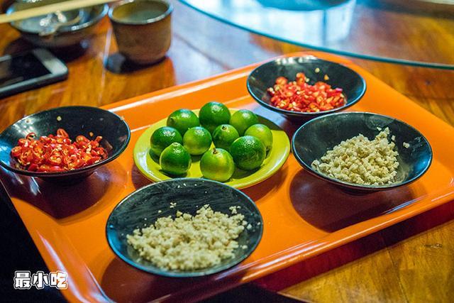 平顶山这家火锅不必辣椒,用椰汁,竟然能够很好吃!插图11