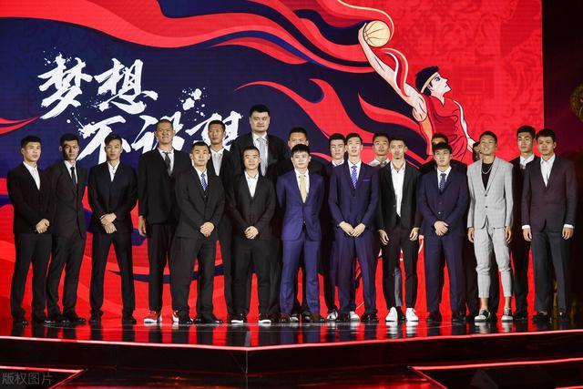 CBA选秀大会,NCAA海归当选状元加盟上海,混血锋线成榜眼www.smxdc.net