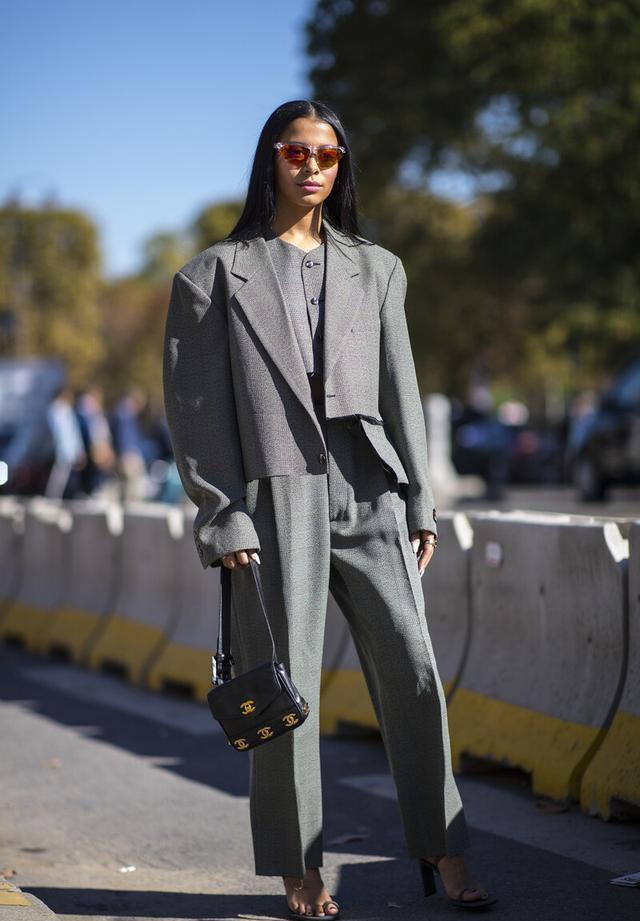 女性也可以帅气又潇洒,英伦三件套复古时尚,秋季这么穿太新潮-第9张