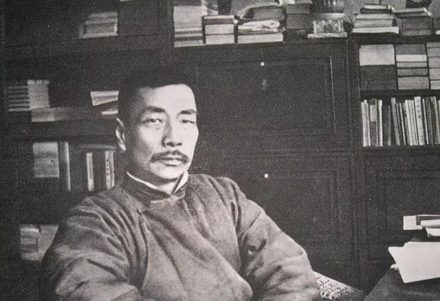 """孙光祀,他55岁逝世后被誉为""""民族魂"""",执笔救亡,成就了一个时代的传奇"""