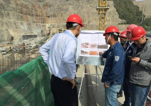"""120米""""钢柱""""插入喜马拉雅山,中国为巴铁解决难题,印度崩溃-第2张"""