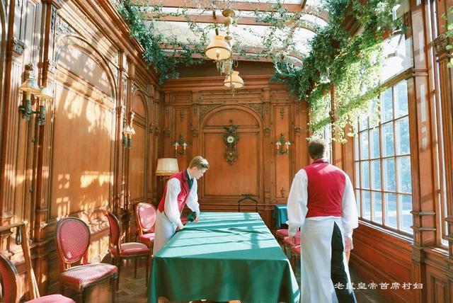 山寨货却成欧洲最好餐厅,广受欢迎的普希金咖啡馆红的很有道理