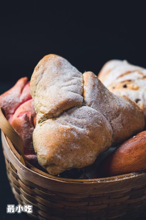 平顶山这家需24小时3次纯天然发酵的软欧面包,不预定都吃不到!插图6