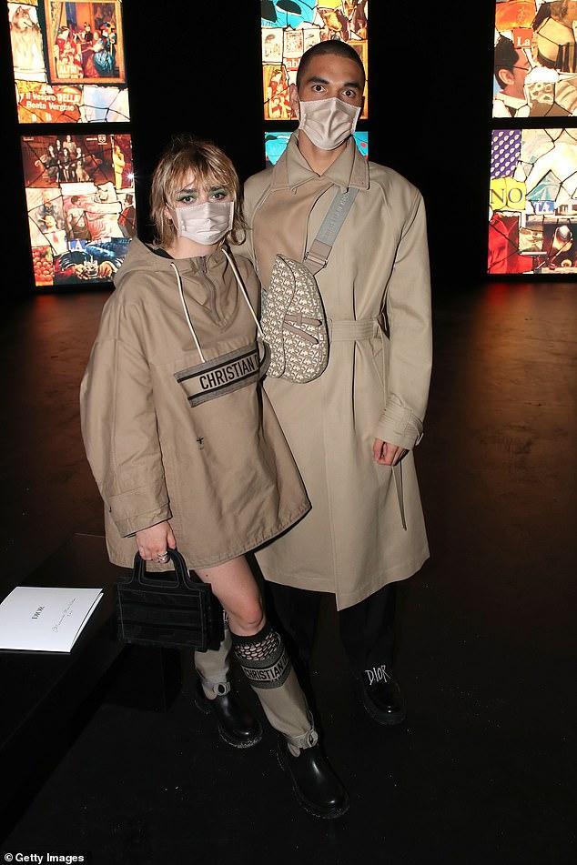 LV少奶婚后首秀Dior巴黎春夏,孟美岐云上看秀穿出一身清流-第12张