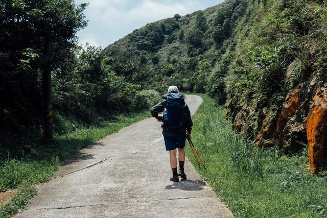 秋季的徒步登山活動,這款新手可選擇的Lowe Alpine背包開箱體驗