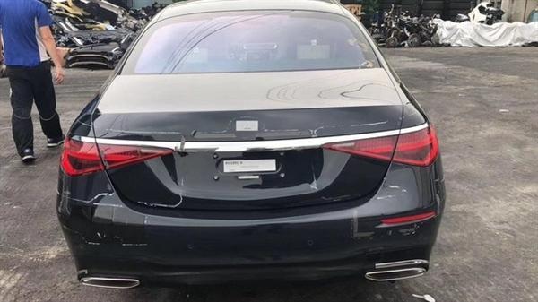 奔驰全新S级细节:首创后排正面气囊,车内5块液晶屏,9月发布