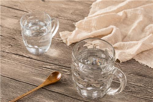 大量喝水能预防新冠肺炎?小心喝水不当伤身体