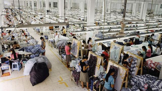 """实体生意要逆袭!1.5万家服装厂,因""""共享工厂"""