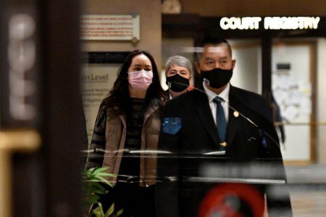 """一名加拿大警官在孟晚舟案出庭作证:协助FBI让我""""非常不舒服"""""""