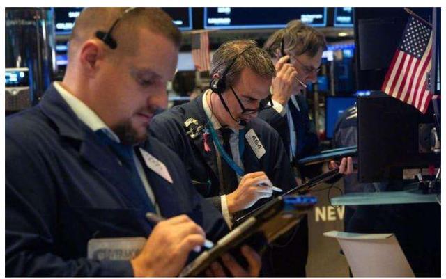 """美股再创新高,特朗普吹嘘美股上涨,巴菲特泼了""""一盆冷水""""-今日股票_股票分析_股票吧"""