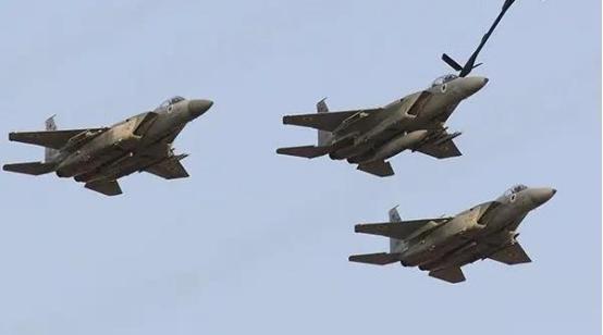 中东局势再度升级,导弹从天而降!伊朗弹药库被摧毁,10人被炸死-第2张