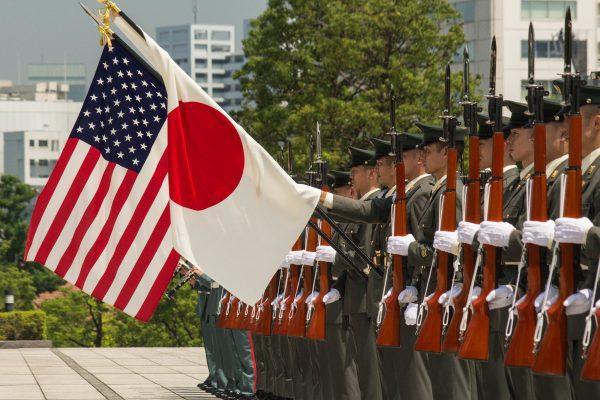 日本发现美国靠不住了?军费大幅飙升,扩张军力,自称需对付威胁-第1张