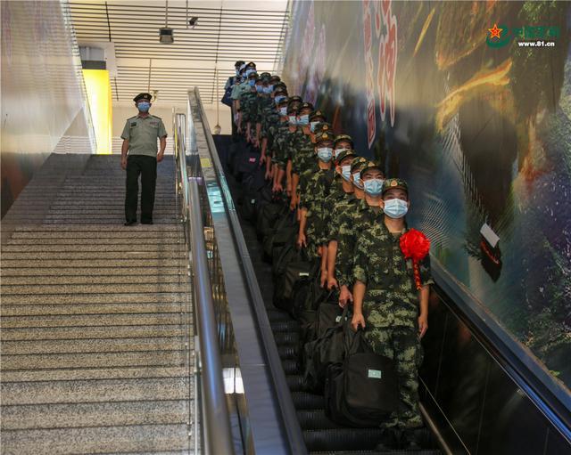 开启军旅生涯新篇章,武警广西总队柳州支队这样欢迎新兵入营-第2张