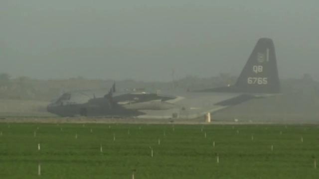 美军F-35B与KC-130J意外碰撞后坠毁 飞行员跳伞逃生-第2张