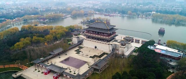 五粮液携手南方周末,探访陕西历史博物馆