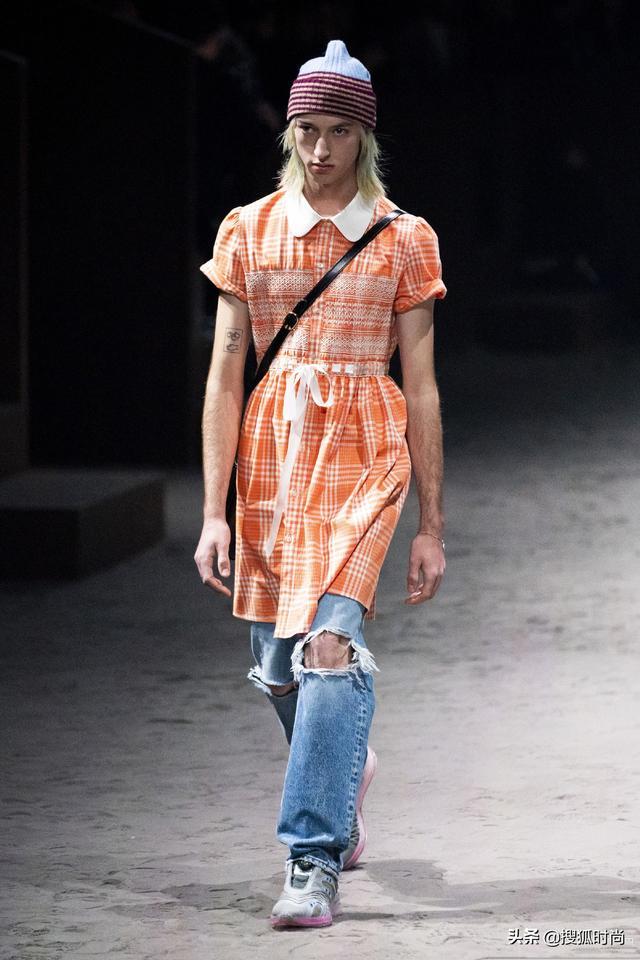 Gucci推出售价一万五的男士蝴蝶结连衣裙,男同胞们会买吗?【www.smxdc.net】 全球新闻风头榜 第3张