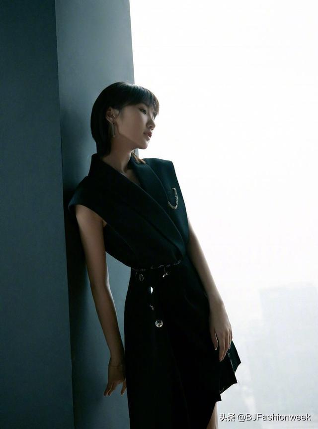 毛晓彤的穿搭超走心,隔空给造型师点个赞-第2张