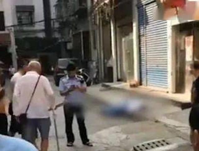 湖南一12岁中学生穿校服跳楼身亡,家长:因为暑假作业没有完成www.smxdc.net