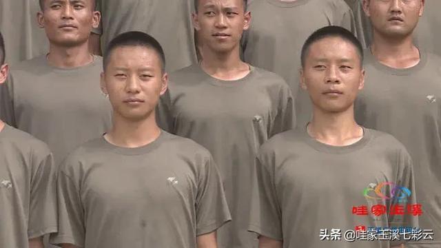 玉溪:双胞胎大学生同圆参军梦-第2张