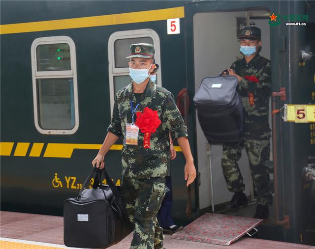 开启军旅生涯新篇章,武警广西总队柳州支队这样欢迎新兵入营-第1张
