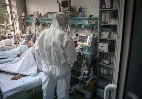 塞尔维亚新冠肺炎单日激增近五千例 17日晚实施防控新措施