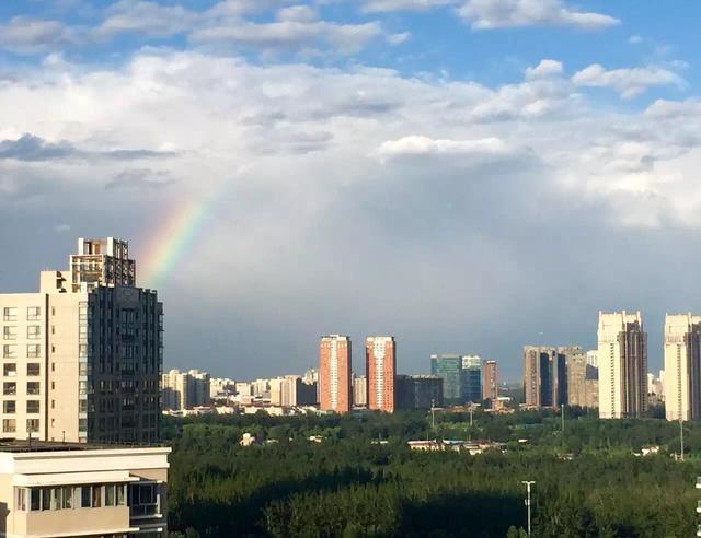 """""""五一""""北京公安出入境服务暂停 远郊将成出游热点_加拿大28群"""