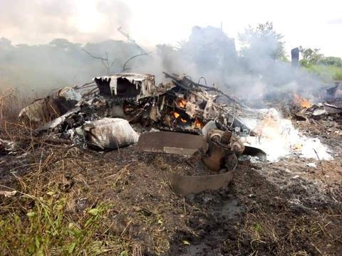 南苏丹一架运输机起飞后坠毁 至少造成17人死亡www.smxdc.net