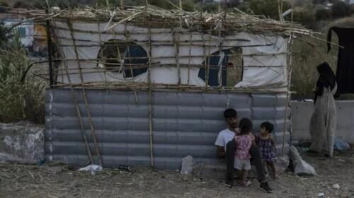 希腊难民营被大火烧毁后,德国称将接收1500多名难民-第2张