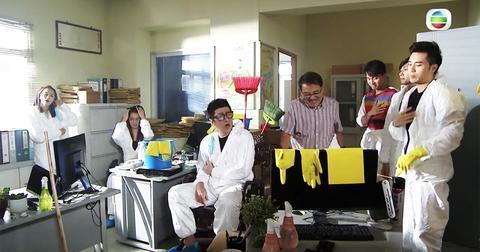 TVB热播剧现14秒乱港手势 观众罢看 导演被解雇【www.smxdc.net】