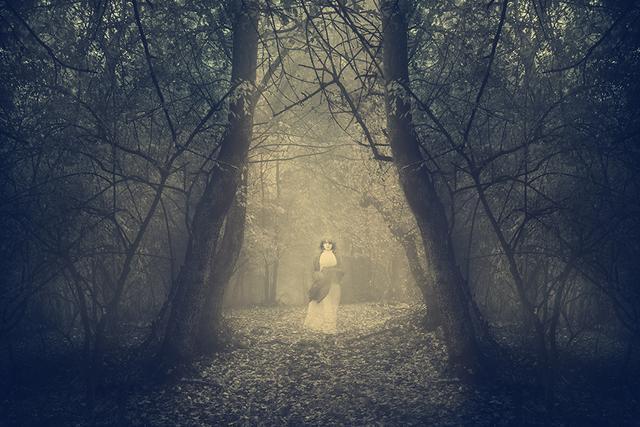 她只是被想象出来的幽灵吗「光影独白」-第1张