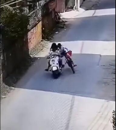 11岁女童骑自行车被人恶意拽倒续:三名肇事者已找到 均是未成年人【www.smxdc.net】