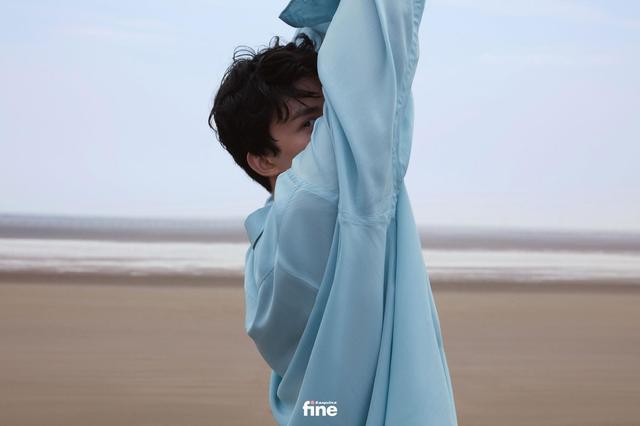 吴磊身着蓝色衬衫 造型清爽少年感十足-第7张