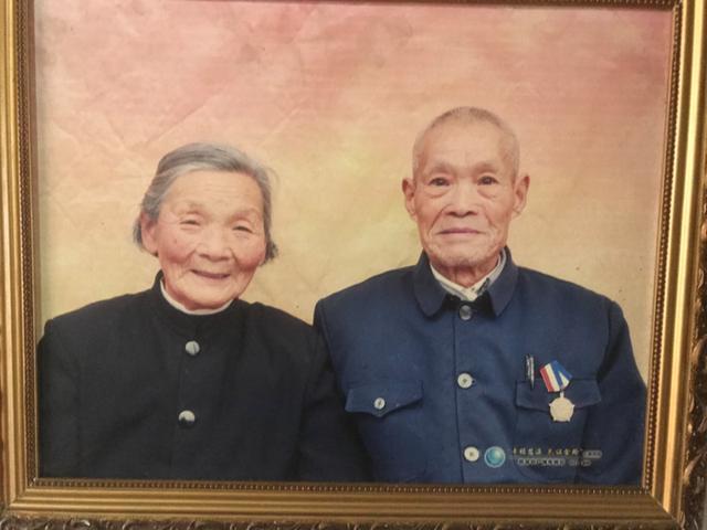 92岁老兵农家小院升国旗20年 这份使命交给七旬儿子-第4张