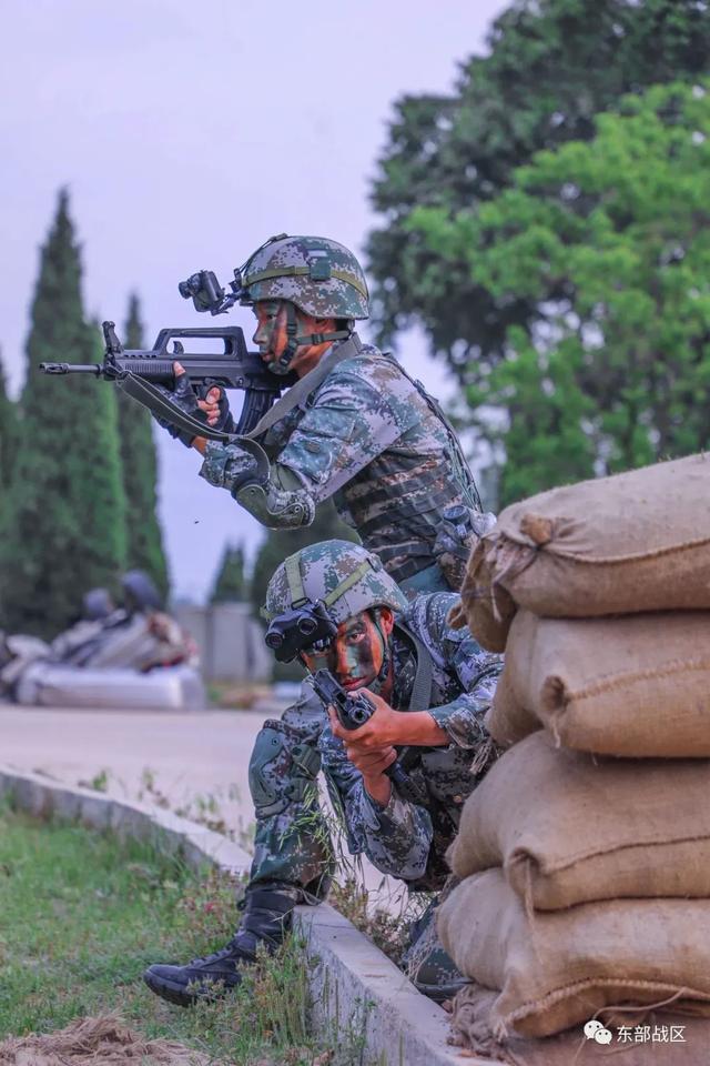 烈士纪念日,东部战区官兵这样致敬英雄-第5张