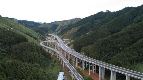 国庆节这天,贵州又有一条高速正式通车【www.smxdc.net】 全球新闻风头榜 第2张