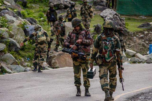 印巴军队在克什米尔地区彻夜激战 造成印军3死4伤