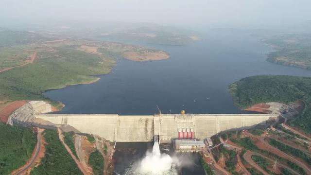 """中企非洲建了个""""小三峡"""",一下解决了一国电力瓶颈"""
