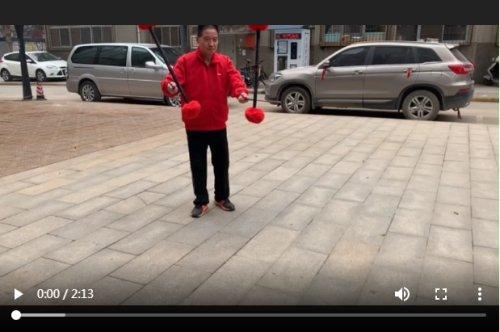咸阳一周热点|老人为中国银行点赞;七旬老人十年坚持冬季锻炼;抄近道男子遇尴尬……插图7
