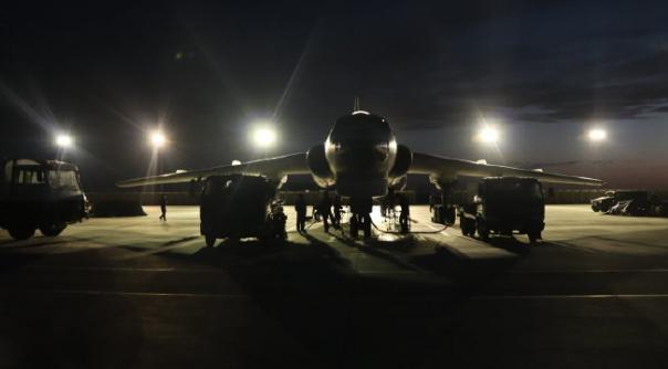 """""""打印机""""准备就绪,中国空军运20轰6同时现身高原,时刻准备着-第1张"""