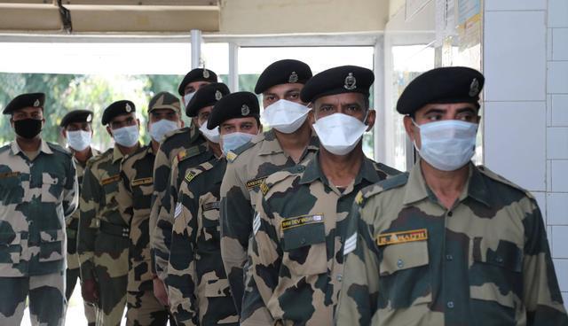 莫迪笑不出来了!印度军队近2万人感染新冠,专家:麻烦还在后面-第2张