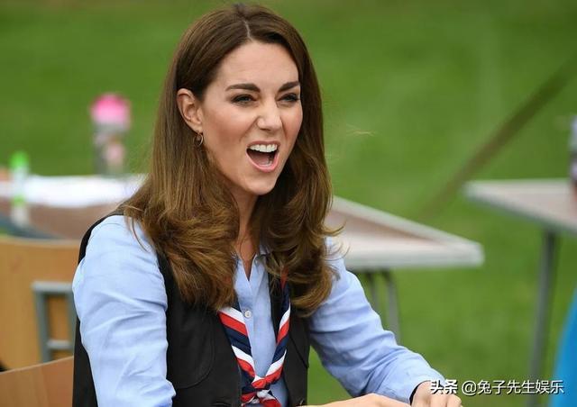 凯特王妃今年首次穿秋装,披上不丹之行旧马甲,1尺7细腰没变化-第4张