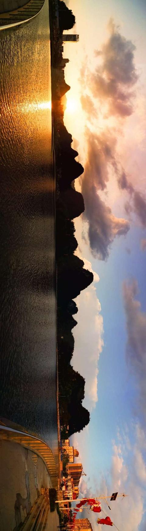 金波花的影,云浮旅游丨蟠龙天湖泛金波,黄金风铃花正开