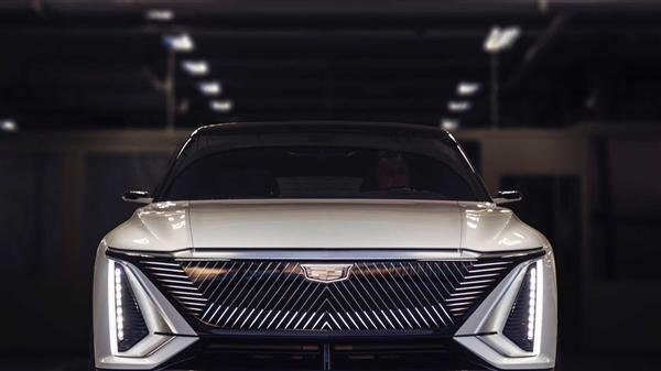 凯迪拉克首款电动车:续航483KM,配33英寸大屏,高级别自动驾驶