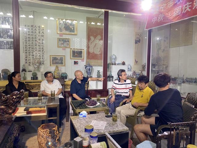 北京市文联影协书画艺术委员会秘书长吴立军一