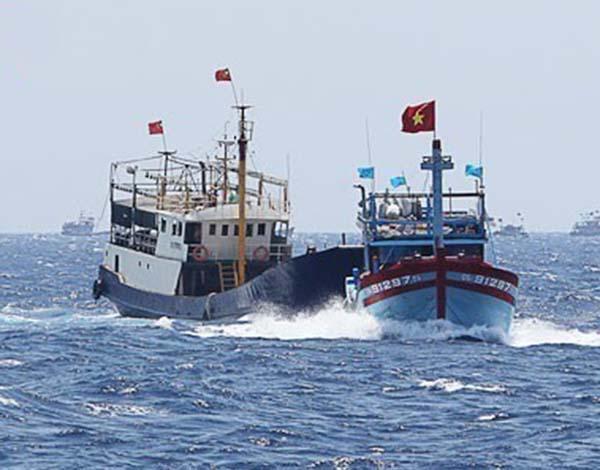 怂恿渔民越境非法捕捞,越南无视我国禁令的代价:11艘渔船被扣押-第3张