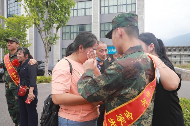 重庆市奉节县:投身军营展雄志,建功立业正当时-第4张