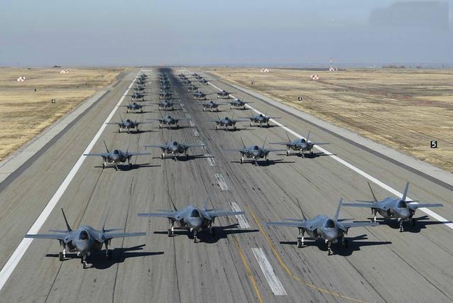 """歼20性能优异,但面对F35环绕的亚太""""鹰链"""",未来面临压力较大-第1张"""