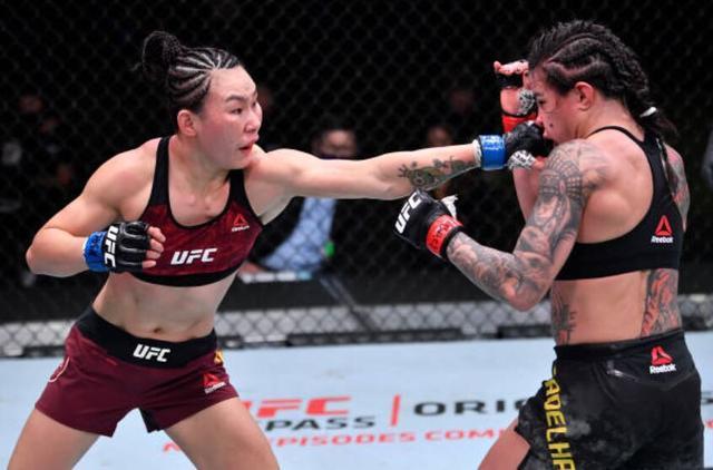 闫晓楠豪取UFC六连胜,随时准备好挑战张伟丽 全球新闻风头榜 第1张