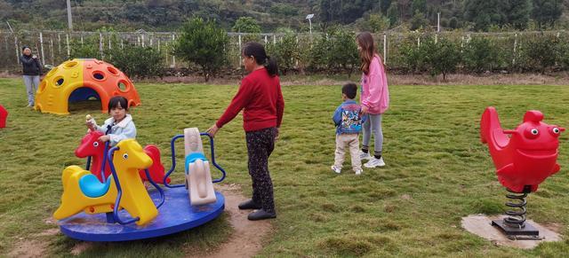 宜昌点军:农家建儿童游玩场,吸引了孩子也留住了游客,皆大欢